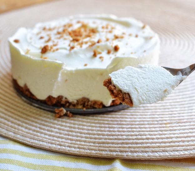 עוגת קרם עם עוגיות לוטוס