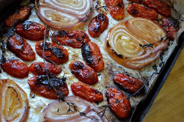 עגבניות שרי ובצל