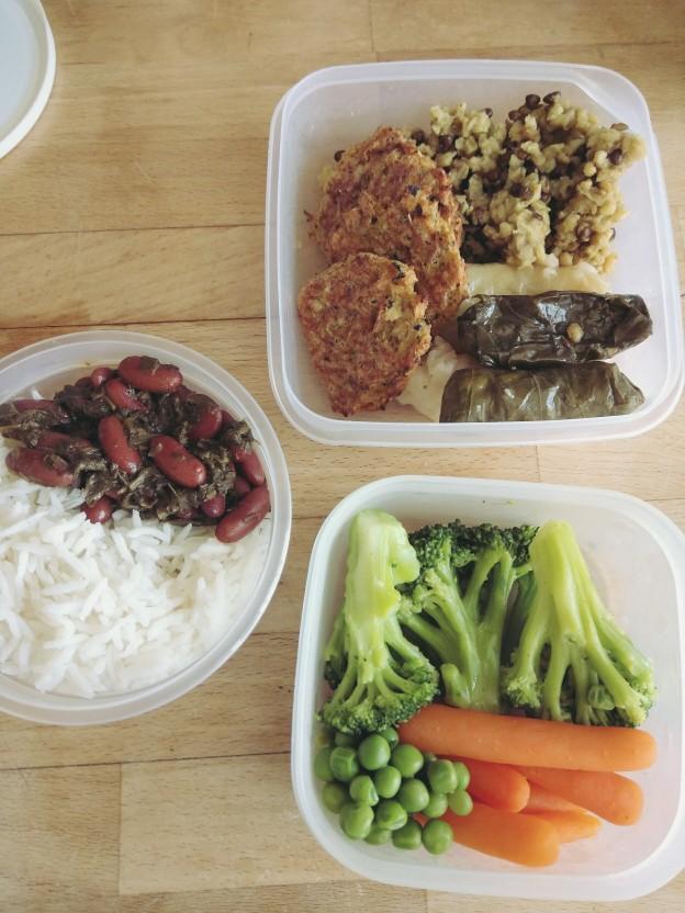 חורשט סבזי, אורז, מג'דרה, קציצות, ממולאים, ירקות מאודים