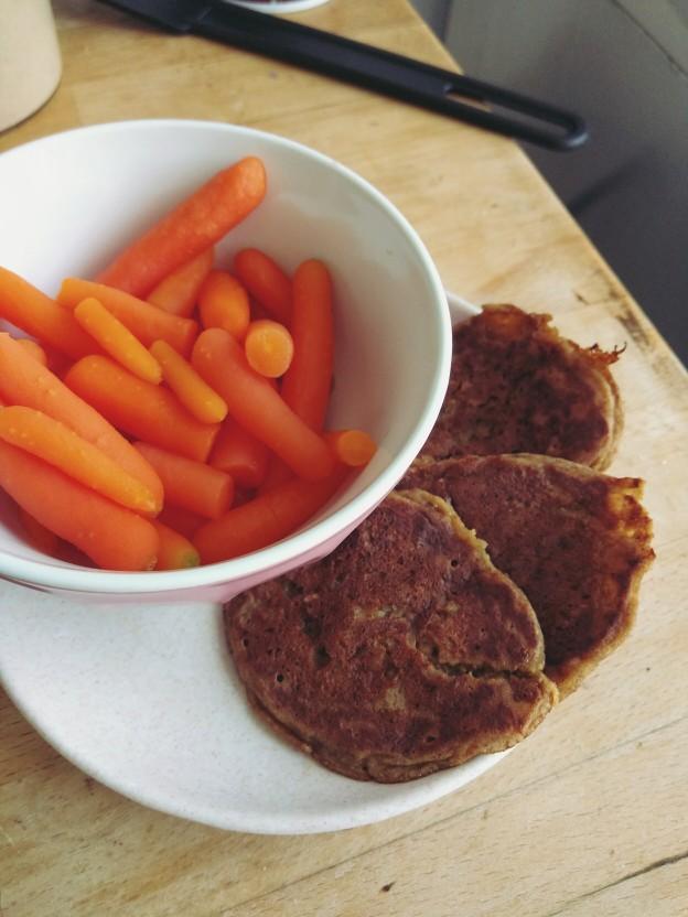 חביתיות קמח טף, כוסמין וירקות טחונים, גזר גמדי